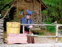 Настоящая Баба Яга на поляне сказок