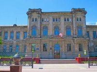 Старинное здание керченской гимназии