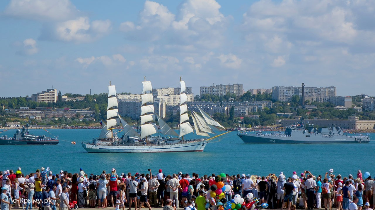 День ВМФ - любимый праздник Севастополя