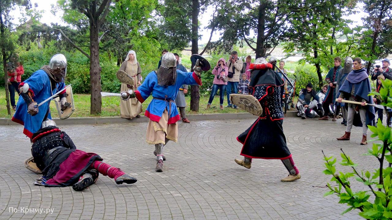 День археолога, фестиваль реконструкторов в Херсонесе