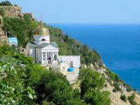Монастыри и храмы Крыма