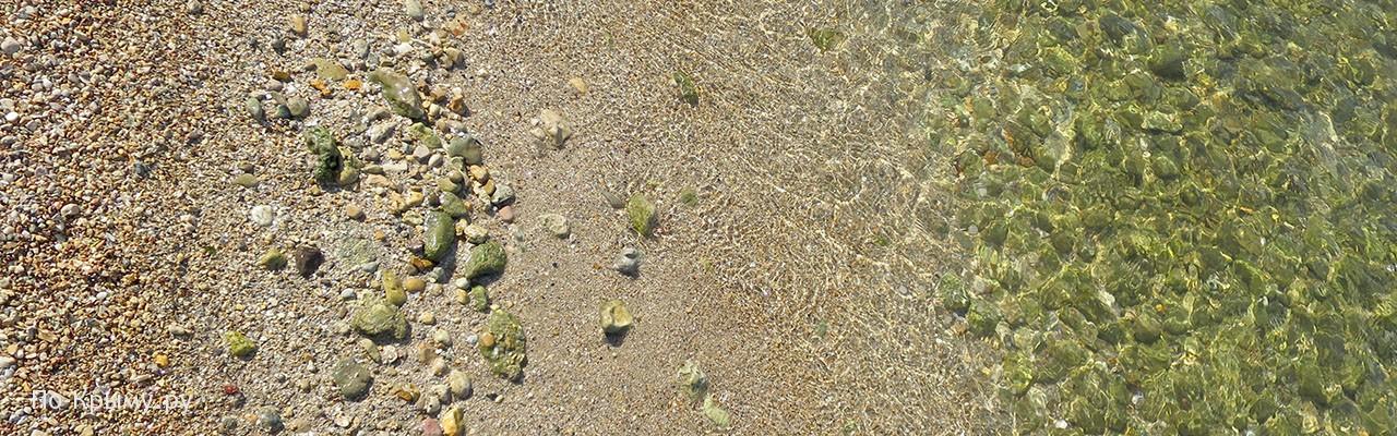 Песчано-галечный пляж Северной стороны Севастополя