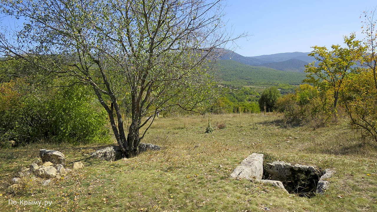 Дольмены тавров у Новобобровки