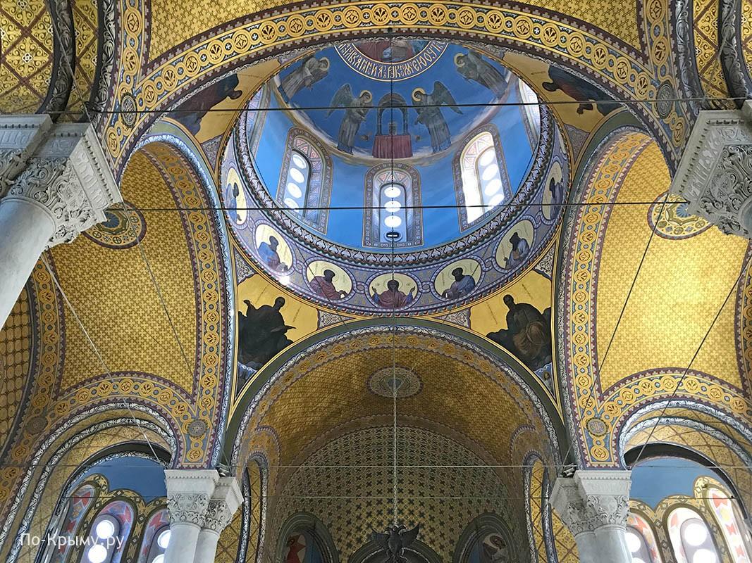 Храм адмиралов, купол