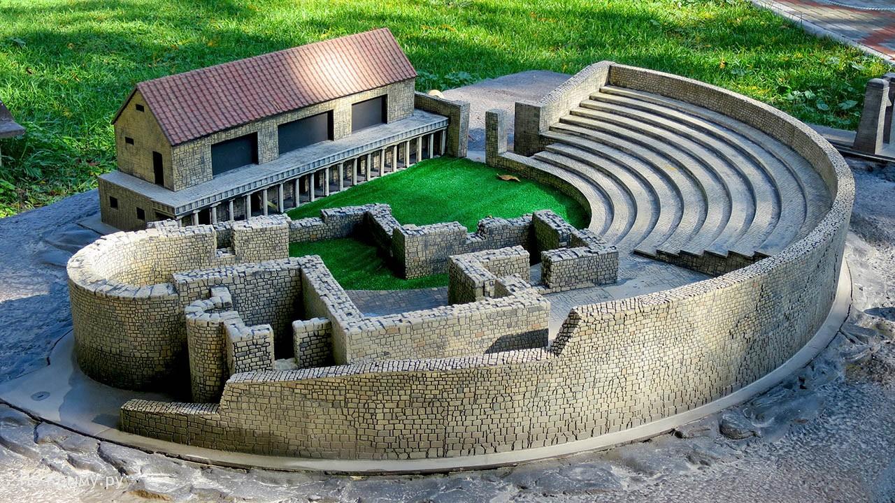 Макет амфитеатра в Херсонесе в Севастополе