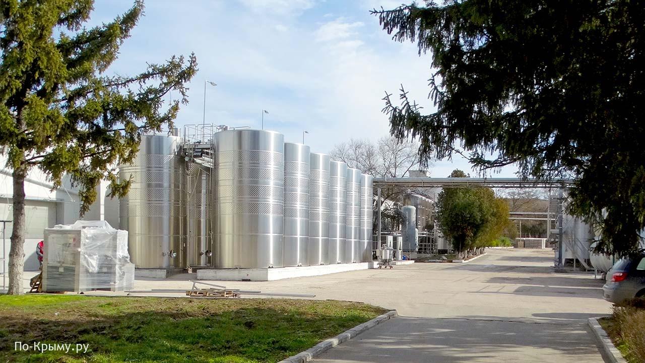 Хранилища для виноматериала