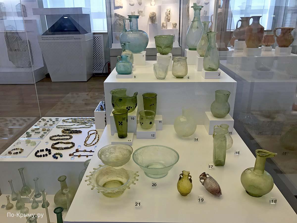 Изделия из стекла в античном музее Херсонеса
