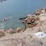 Пляж Красные камни в Стрелецкой бухте