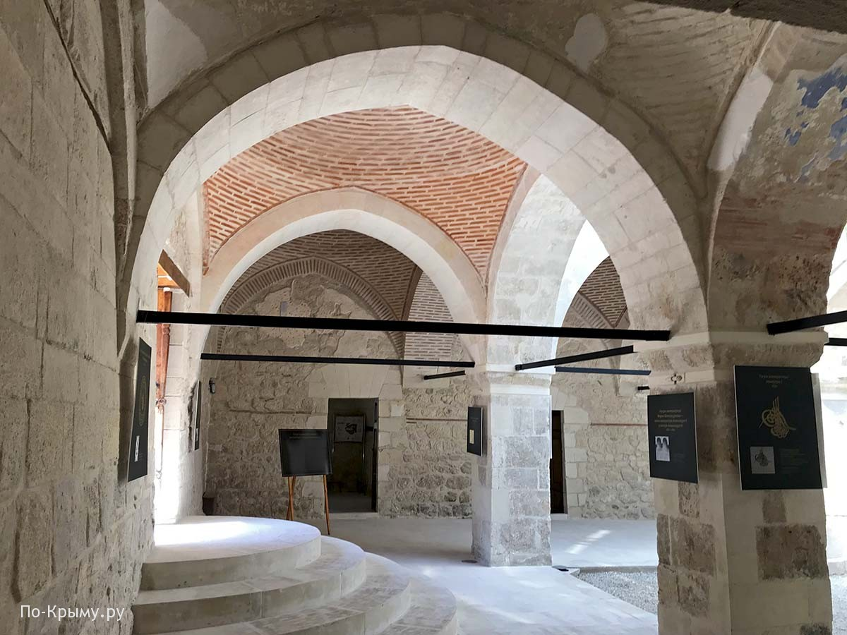 Зынджирлы-медресе в Бахчисарае