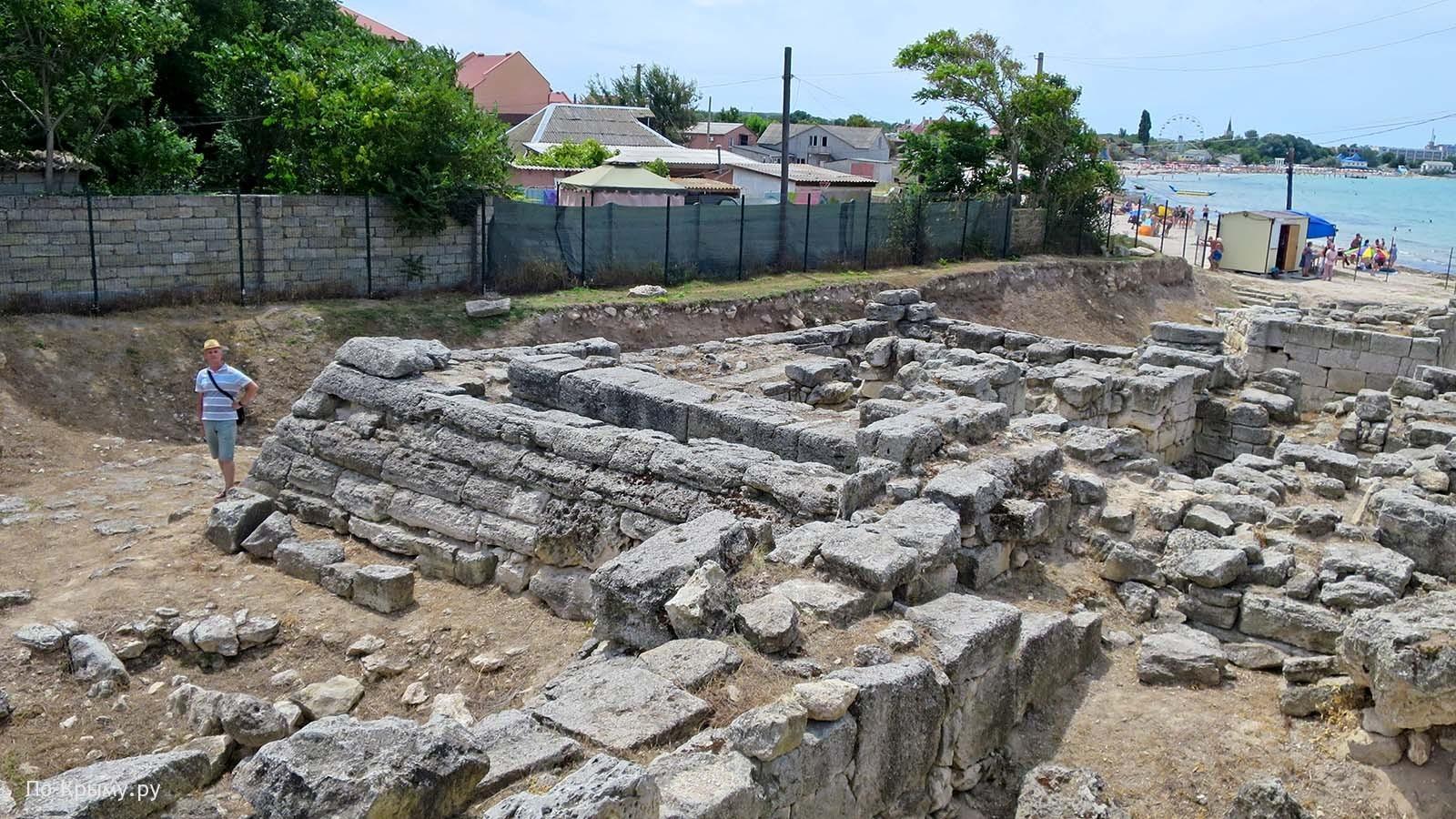 Руины Калос-Лимена в Черноморском