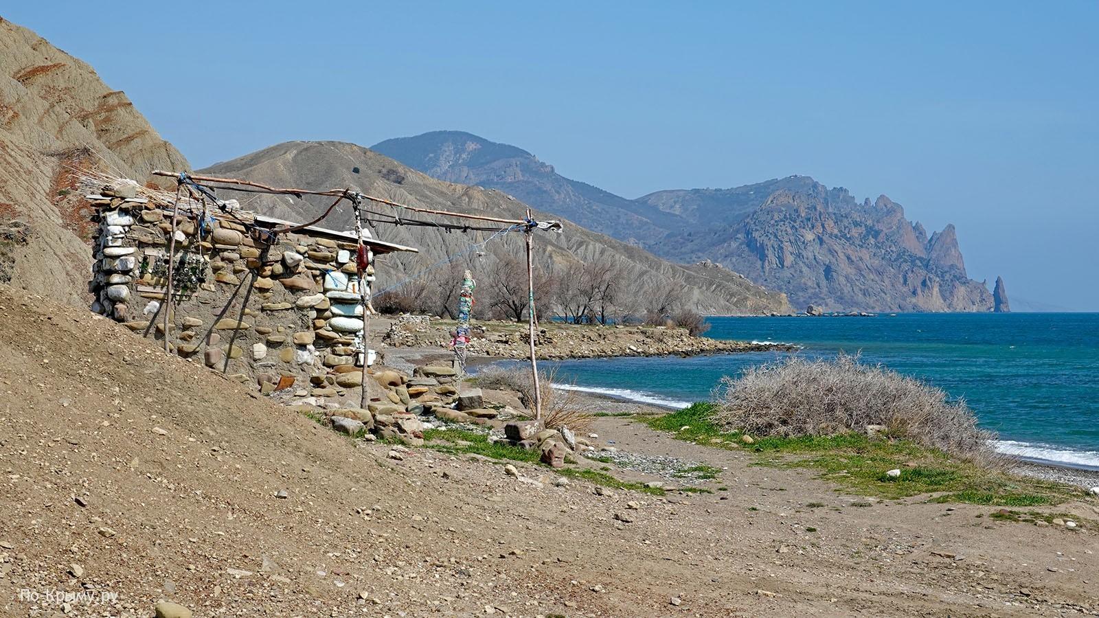 Нудистский пляж Лисья бухта в Крыму