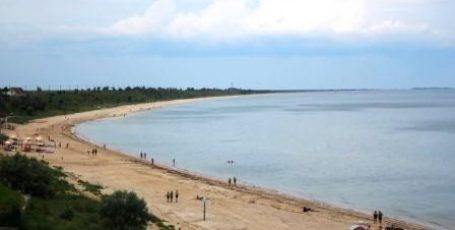 Золотой пляж в поселке Каменское