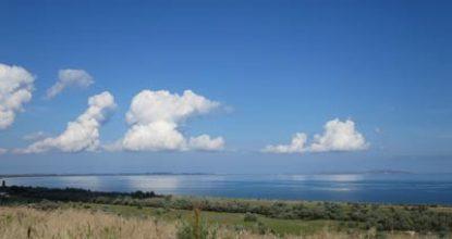Пляж в Нижнезаморском в Крыму