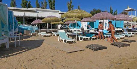 Пляж «Горький» в Евпатории