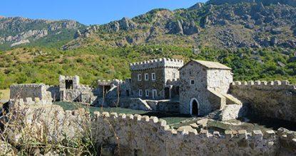 Средневековая крепость Фуна у Алушты