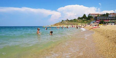 Пляж Мокроусова в Севастополе