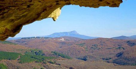 Гора Чатыр-Даг — плато, пещеры, маршруты
