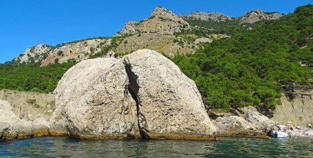 Пляж Жопа или Ближний Инжир под Балаклавой